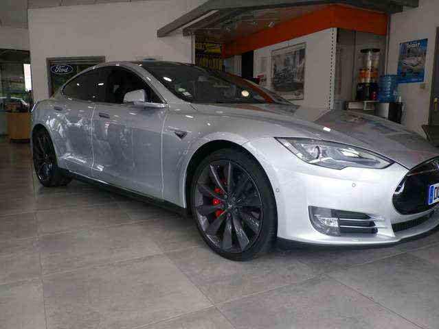 Tesla Model S 85 Signature - main picture